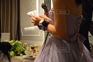 ウェディング ドレスを着た女性の写真・画像素材[1010462]