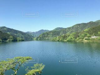 湖畔の風景の写真・画像素材[1541713]