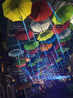 カラフルな傘の写真・画像素材[1542095]
