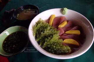 マグロ海ぶどう丼の写真・画像素材[1808810]