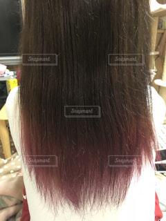 赤い髪の人の写真・画像素材[1542273]
