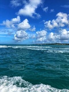 海の隣の水域の写真・画像素材[2713949]
