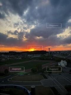 夕陽の写真・画像素材[2713959]
