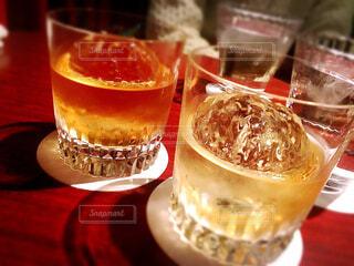 ウィスキーで乾杯の写真・画像素材[1550023]