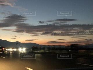 山に帰る太陽の写真・画像素材[1544941]