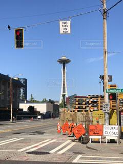 街の通りに信号機の写真・画像素材[1554178]