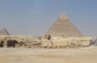 スフィンクスとピラミッドの写真・画像素材[1551011]
