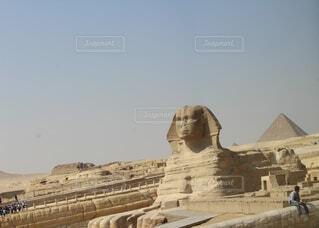 スフィンクスとピラミッドの写真・画像素材[1551012]