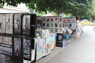 メトロポリタン美術館脇にあった絵画のお店の写真・画像素材[1557243]