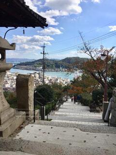 千光寺登山道途中で見えた海の写真・画像素材[1597995]