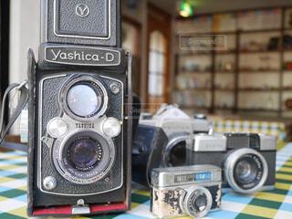 レトロカメラのコレクションの写真・画像素材[1586629]