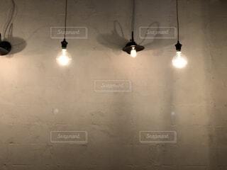 電球のインテリアの写真・画像素材[1712631]