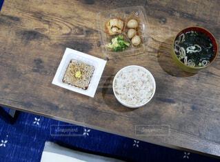 ダイエット中の食卓の写真・画像素材[1746850]