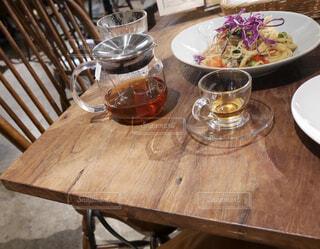 テーブルの上の料理の写真・画像素材[1773102]