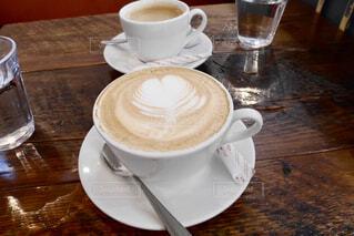 カフェラテとコーヒーの写真・画像素材[1781955]