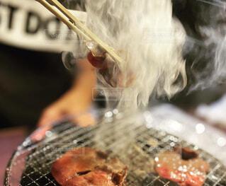 けむりまで美味しい焼肉の写真・画像素材[4329545]
