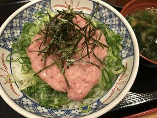 ねぎとろ丼の写真・画像素材[2317048]