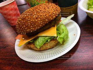 手作りハンバーガーの写真・画像素材[1686698]