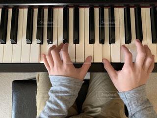 ピアノの練習の写真・画像素材[1782200]