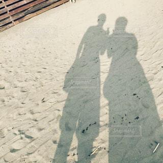 砂浜の影の写真・画像素材[2351232]