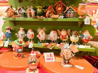 ユニークなクリスマスの置物がいっぱいです。の写真・画像素材[2829510]