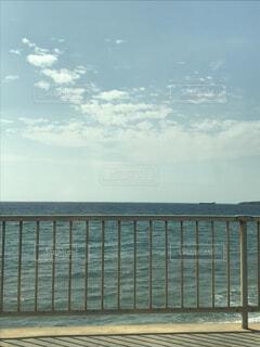 大きな水域の眺めの写真・画像素材[2168592]