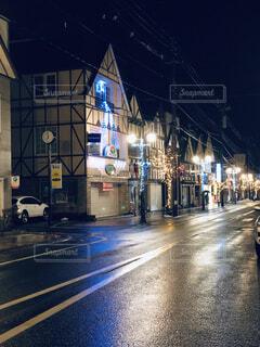 夜濡れた街の写真・画像素材[1678702]