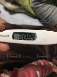 高熱の体温計の写真・画像素材[2340426]