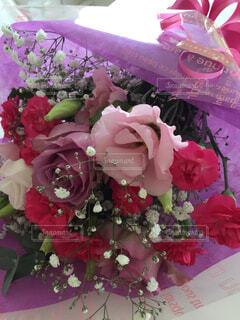 ピンクの花の花束の写真・画像素材[1560614]