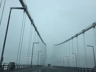 先が見えない橋の写真・画像素材[1570442]