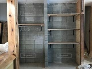 コンクリートブロックの本棚の写真・画像素材[1563722]