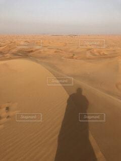 ドバイの砂漠の写真・画像素材[1564994]