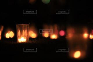 交通信号は夜ライトアップします。の写真・画像素材[1623406]