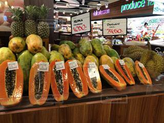 バリ島のスーパー、果物売り場の写真・画像素材[1587355]