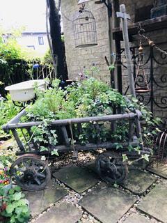ガーデンのオブジェの写真・画像素材[2115061]