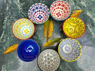 カラフルな小鉢達の写真・画像素材[1596573]