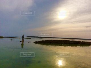 海辺の夕日の写真・画像素材[1607731]
