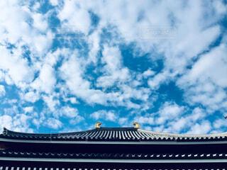 青い曇り空の眺めの写真・画像素材[2353490]