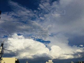 空の雲の群の写真・画像素材[4381521]