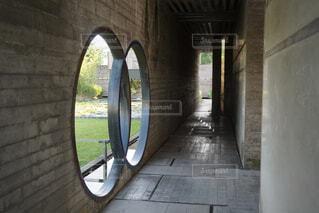 イタリアの建築家カルロスカルパ設計のブリオンヴェガの写真・画像素材[1576390]