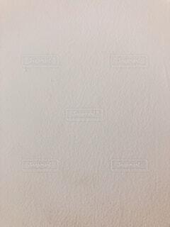 近くに白い壁のアップの写真・画像素材[1585601]