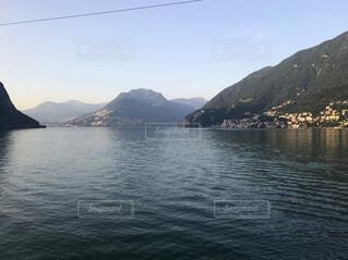 イタリア・マッジョーレ湖の写真・画像素材[1578099]