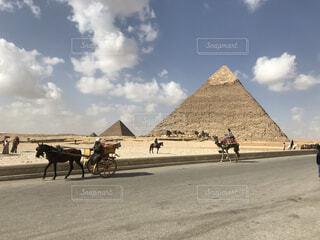 ギザの3大ピラミッドの写真・画像素材[4540315]