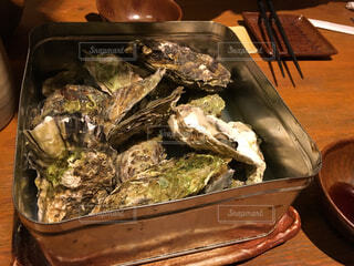 牡蠣の蒸し焼きの写真・画像素材[1586172]