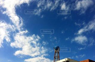貯水タンクと空の写真・画像素材[1644770]