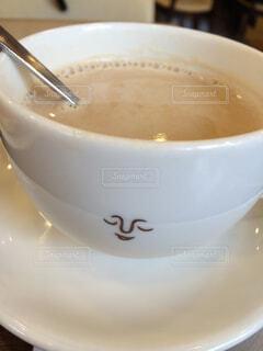 顔があるコーヒーカップの写真・画像素材[1648836]