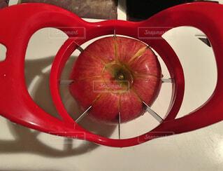 りんごカッター2の写真・画像素材[1681940]
