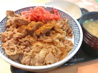 吉野家の牛丼の写真・画像素材[3358652]