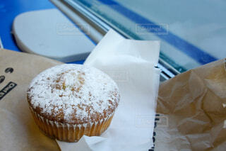 旅先のイタリアで食べたカップケーキの写真・画像素材[1625374]