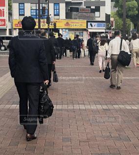 県庁に出勤する人の写真・画像素材[2066445]